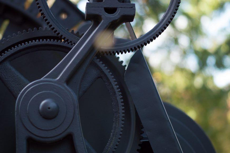Clogs of a mechanical machine
